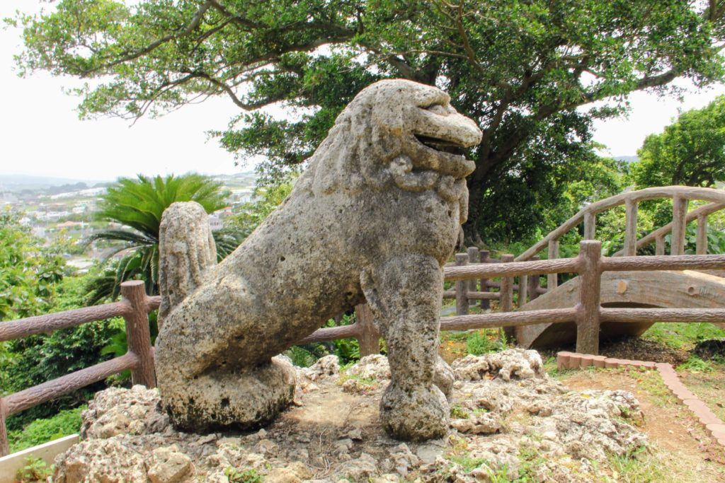 日本最古のシーサー「富盛の石彫大獅子」