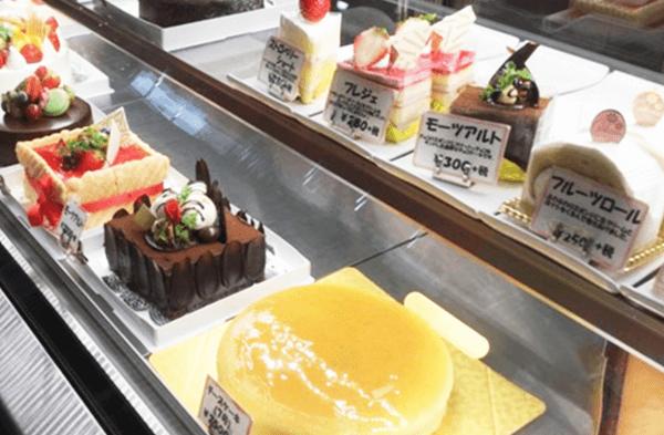 のぼりや製菓(ケーキののぼりや)ショーケース
