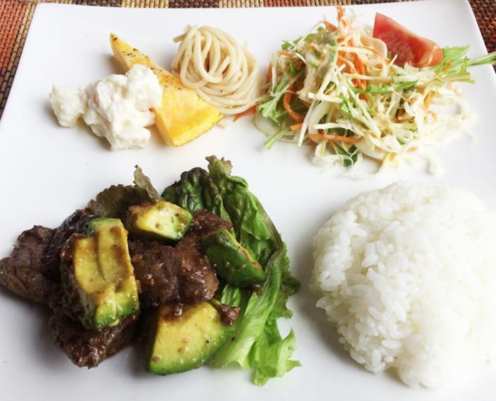 『アボカド食堂』アボカドサイコロステーキ(ご飯を選択)