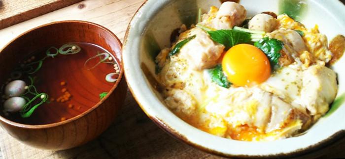 『サンスーシー』京のふわとろ親子丼(吸い物付)