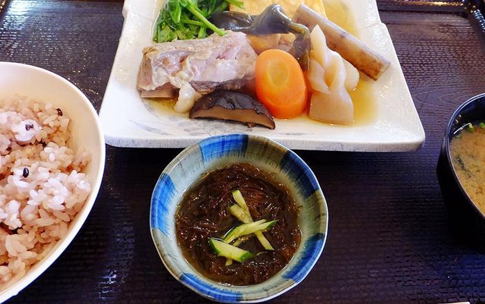 『レストランカイヤン』煮付け定食