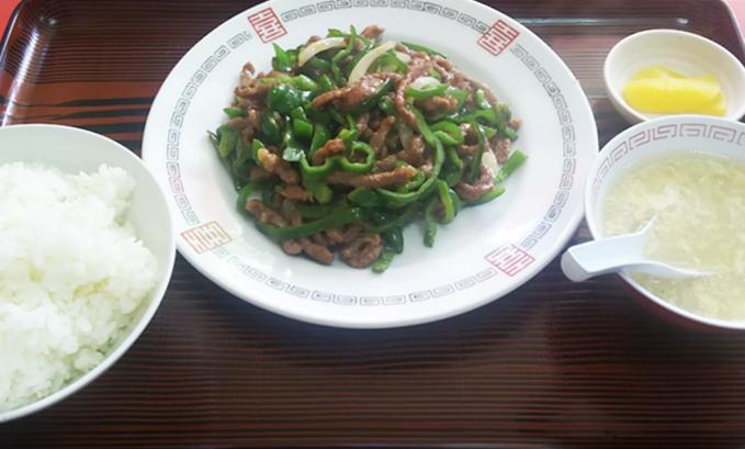 『竜丹』牛肉ピーマン炒め