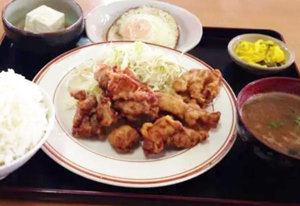 『丸徳食堂』チキン唐揚げ