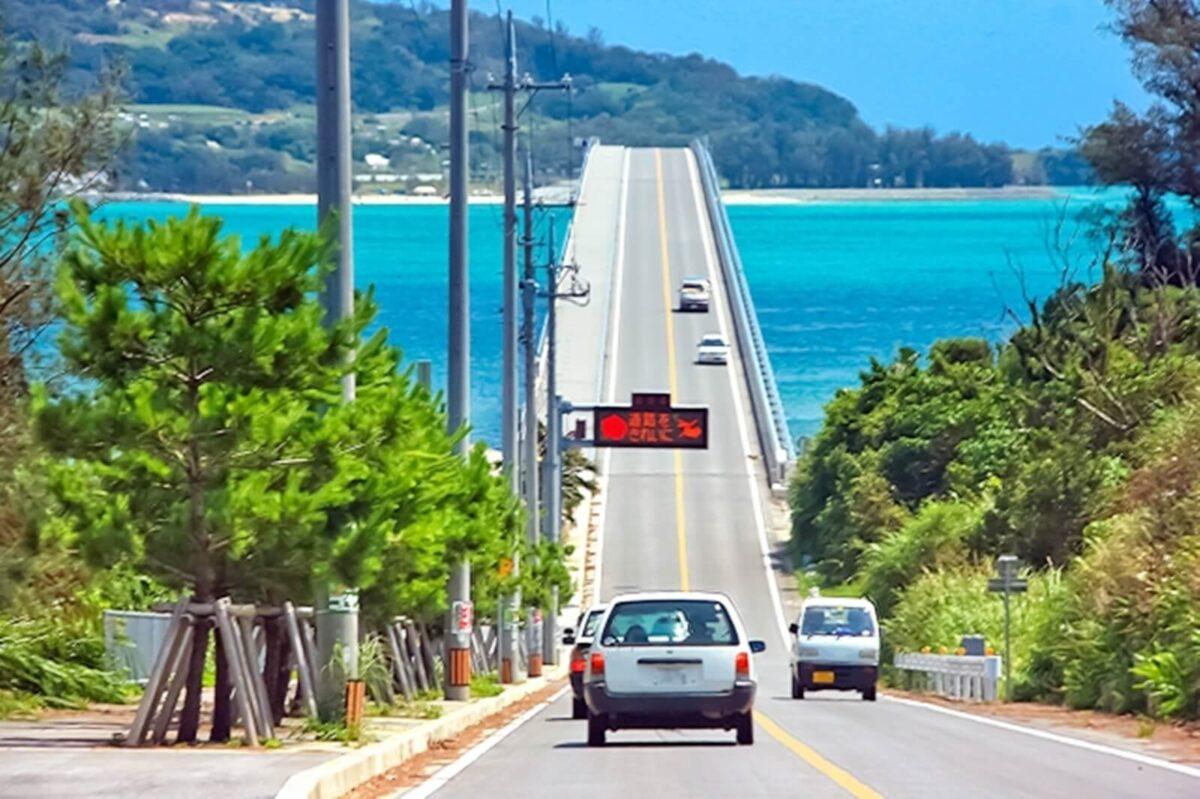 沖縄をドライブ中に聞きたい曲