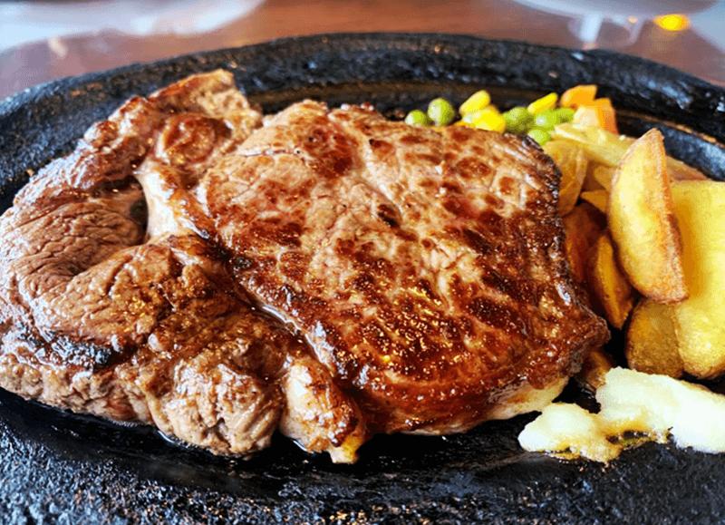 パブラウンジ エメラルド エメラルド特製ジャンボステーキ