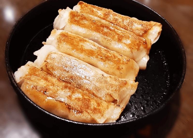燕郷房(ヤンキョウファン)鉄鍋餃子