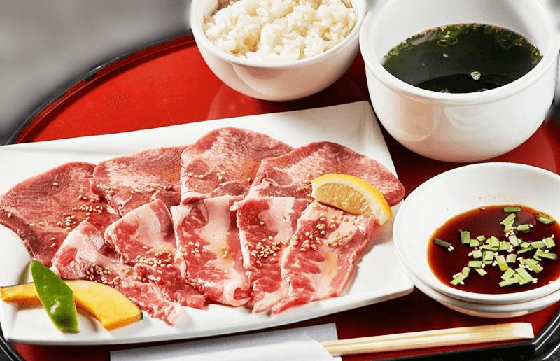 肉御殿 糸満本店 牛タン&カルビランチ