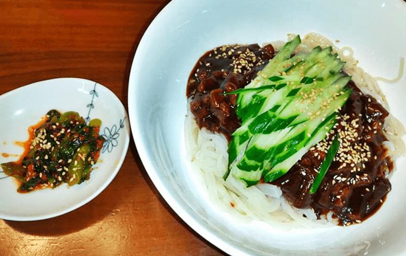 チング家 ジャージャー麺