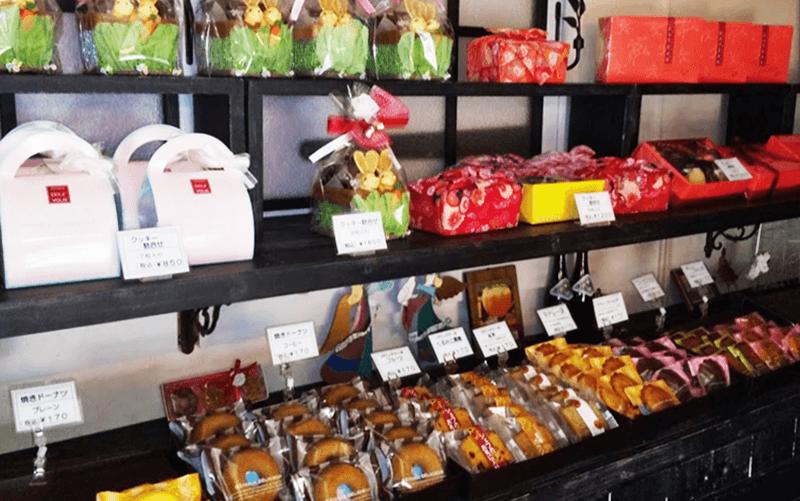 プールヴー(Pour Vous)焼菓子コーナー