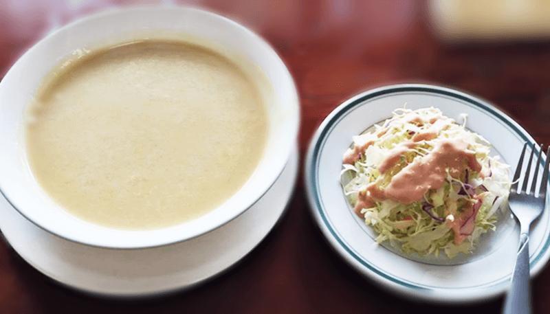 グリーン フィールド スープとサラダ