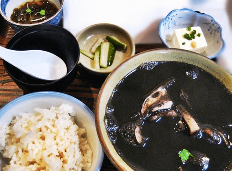 仲泊海産物料理店 イカ汁