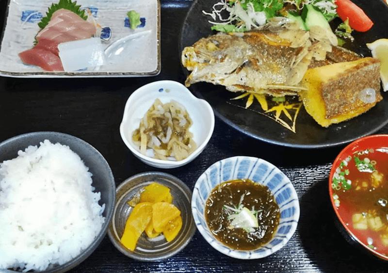奥武島海産物食堂 魚のバター焼き定食