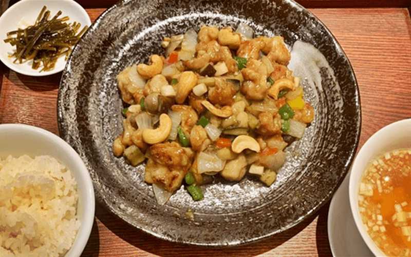 上海ヌードル珊(サン)鶏肉のカシューナッツ炒め