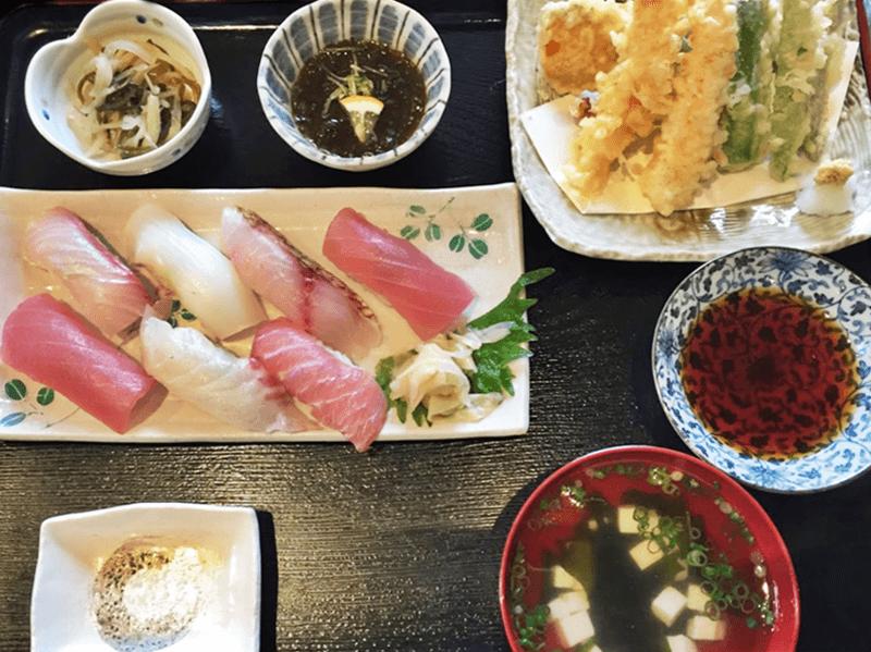 奥武島海産物食堂 にぎり定食
