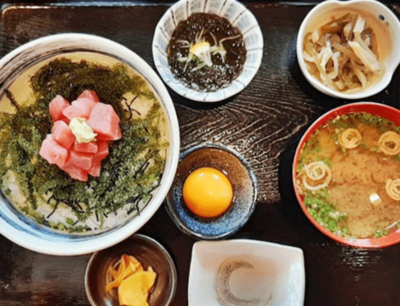 奥武島海産物食堂 海ぶどう丼定食