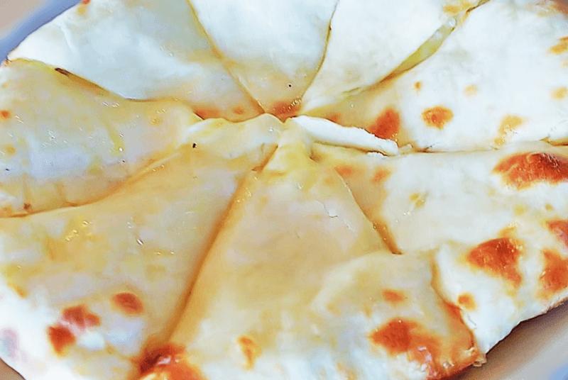 カマル チーズナン