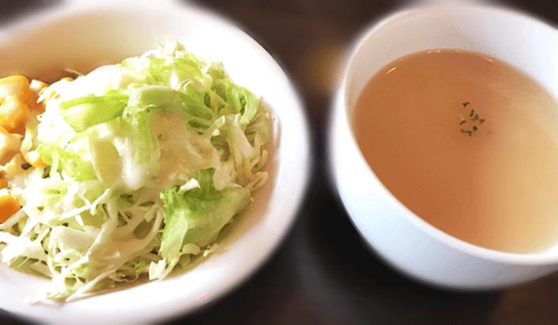 ステーキハウスうっしっしぃ豊見城店 サラダとスープ