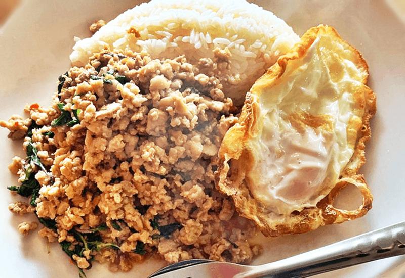 アリドイ(ARIDOI)パッカパオガイ(鶏肉のタイバジル炒め)