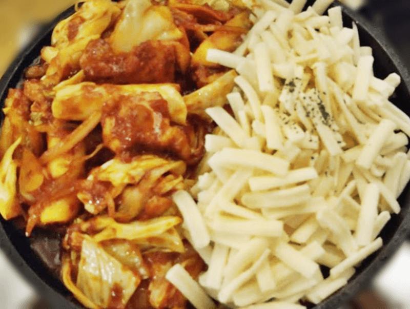 J-chan 冷麺 チーズタッカルビ