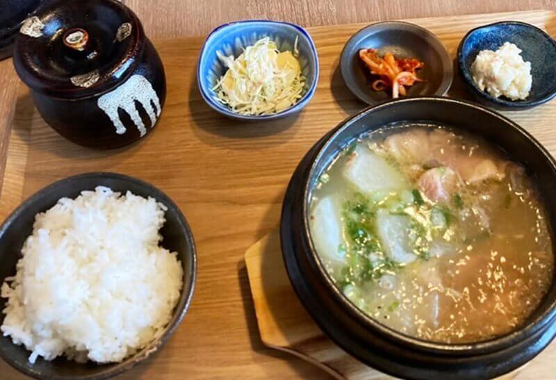 韓国料理 香り純豆腐 サムゲタン定食