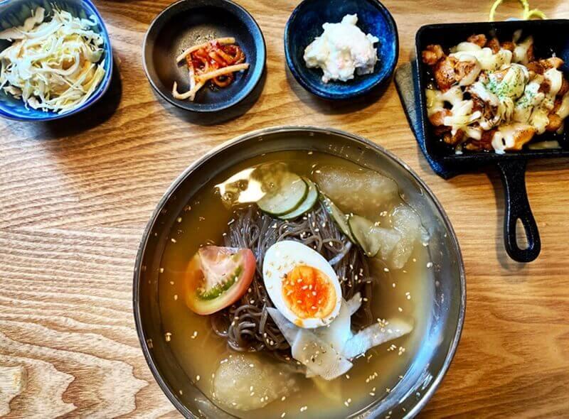 韓国料理 香り純豆腐 香り冷麺とチーズタッカルビ